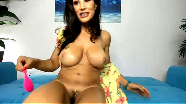 Kendra lust solo